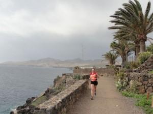 20150111130444 Bieg z Puerto del Carmen w kierunku Puerto Calero i z powrotem